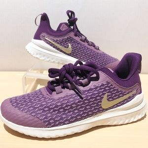 NEW Nike Rival- Voilet Sneaker- SIZE 1.5 Youth